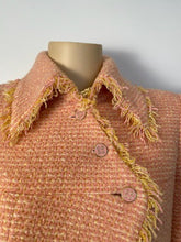 Load image into Gallery viewer, Vintage Chanel 01A, 2001 Fall tweed pink with light yellow Jacket FR 44/46