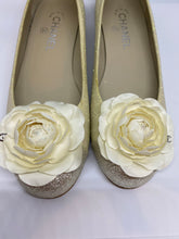 Load image into Gallery viewer, Chanel camellia ballet ballerina flats EU 38.5C