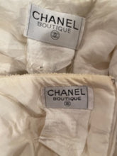Load image into Gallery viewer, 94P, 1994 Spring Rare Vintage Chanel Cream/Black Scubido Trim Boucle Skirt Jacket Set US 6