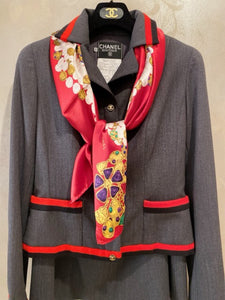 Very Rare Vintage Chanel 94A 1994 Fall Skirt Suit in Grey/Red/Black FR 42 US 6/8