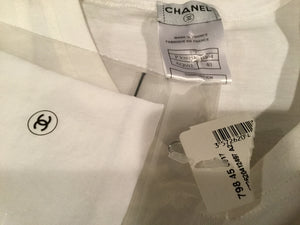 New with Tags Chanel 2007 Spring, 07P White medallion Charm tee Cotton T-shirt FR 40 US 6