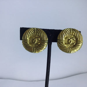 Rare! Chanel Vintage Round Anchor Gold Metal CC Logo Clip On Earrings 1980's