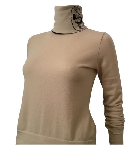 Chanel 04A Fall Light Brown Beige Turtle Neck Coco Cashmere Sweater FR 38 US 4/6