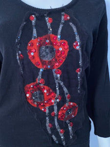 Chanel 07A Black Red Cashmere Pullover Sweater  with appliqué geometric flowers with sequins, pearls FR 40