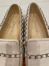 Load image into Gallery viewer, Chanel White patent leather chain loafers EU 38