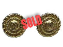 Load image into Gallery viewer, 1989 Chanel Vintage Clip on Round Gold Metal CC logo Earrings
