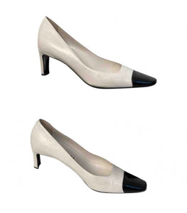 Classic Chanel White Black Leather bicolor Pump Heels EU 38 US 8