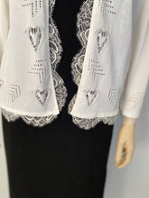 Load image into Gallery viewer, Chanel 06P 2006 Spring White Knit Lace Cardigan FR 40 US 2/4