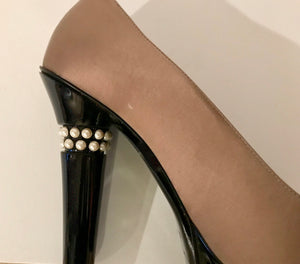 Chanel 2009 Fall 09A Paris Moscow Bicolor Patent Leather Satin Pearls Platform Heel Pumps EU 40 US 9/9.5