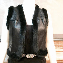 Load image into Gallery viewer, Chanel 05A Autumn Fall Vintage Leather Rabbit Fur Cropped Short Vest FR 40 US 4/6/8