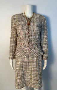 Vintage Chanel 05P, 2005 Spring Fantasy Tweed pink and green Skirt Suit Set with Jacket FR 42