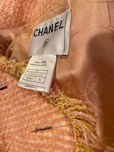 Vintage Chanel 01A, 2001 Fall tweed pink with light yellow Jacket FR 44/46