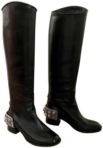 Chanel 07 Paris Monte Carlo Collection Lions Head Icon tall black leather riding boots EU 39.5 US 8.5/9