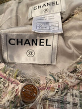 Load image into Gallery viewer, Vintage Chanel 05P, 2005 Spring Fantasy Tweed pink and green Skirt Suit Set with Jacket FR 42
