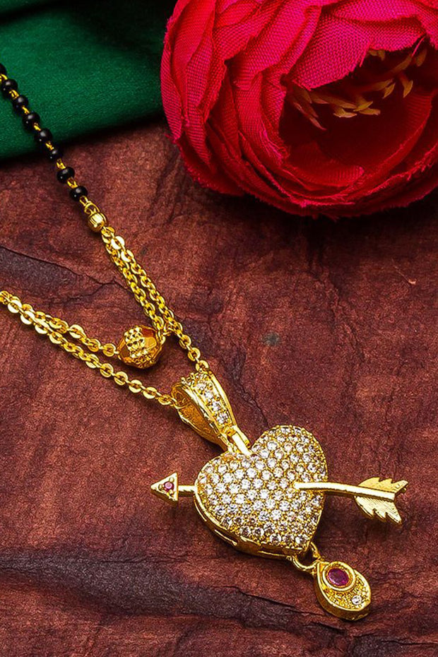 Women's Alloy Mangalsutra in Gold