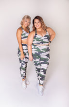 Load image into Gallery viewer, Backup Booty Camo Legging