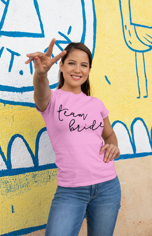 be lorette t-shirt ou top evjf Simple Bride en coton Team Bride rose