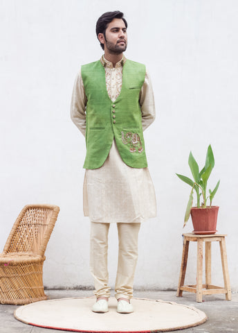 e4196e3b757 Antara Goswami shares with you some style tips about the Do s and Don t of Nehru  Jackets so that you can make the most of this style