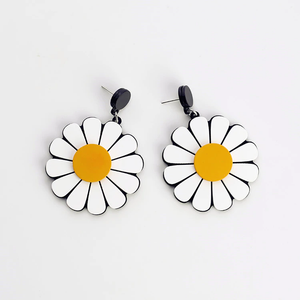 DAISY EARRINGS (3 COLORS)