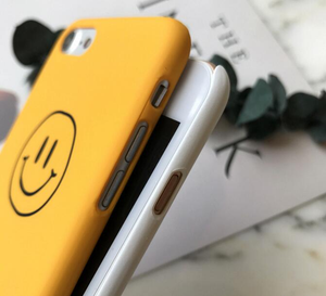 """CLASSIC SMILEY FACE"" IPHONE CASE (2 COLORS)"