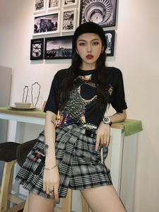 """BOYFRIEND CUT"" PLAID SKIRT"