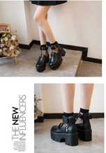 "Load image into Gallery viewer, ""AMY"" PLATFORM SHOES"