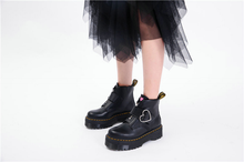 "Load image into Gallery viewer, ""GRUNGE HEART"" PLATFORM SHOES"