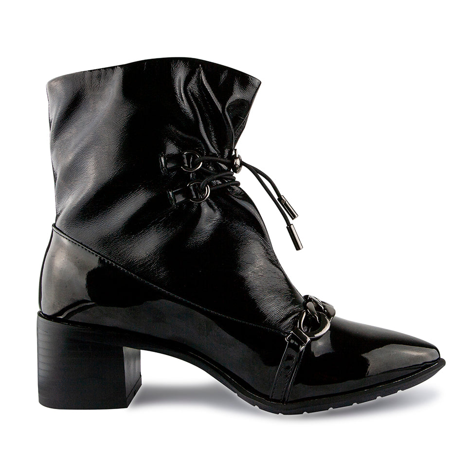 LITTLE EMPRESSES // PATENT BOOTIES WITH LACE DETAIL