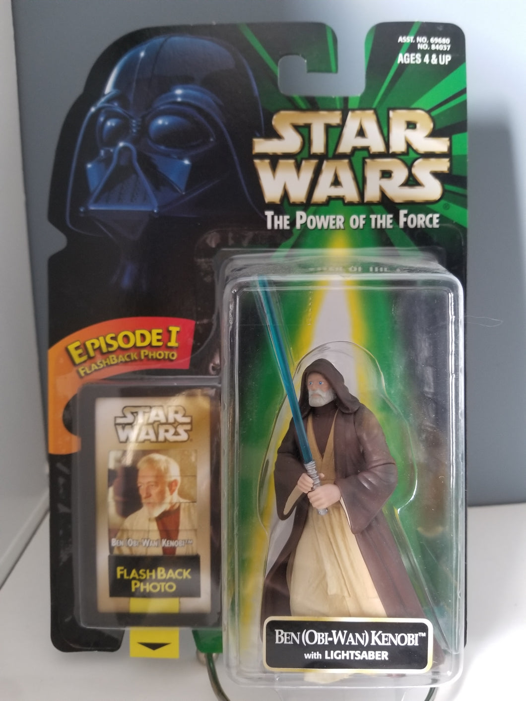 1998 Star Wars POTF2 Ben (OBI-WAN) Kenobi Green Carded Figure with Flashback Photo