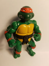 Load image into Gallery viewer, 1988 TMNT Loose Michelangelo Action Figure