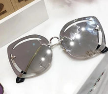Load image into Gallery viewer, women's cut out sunglasses