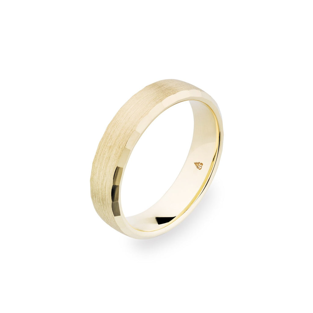 14K Yellow Gold 5.5 Brushed Faceted Edge Band