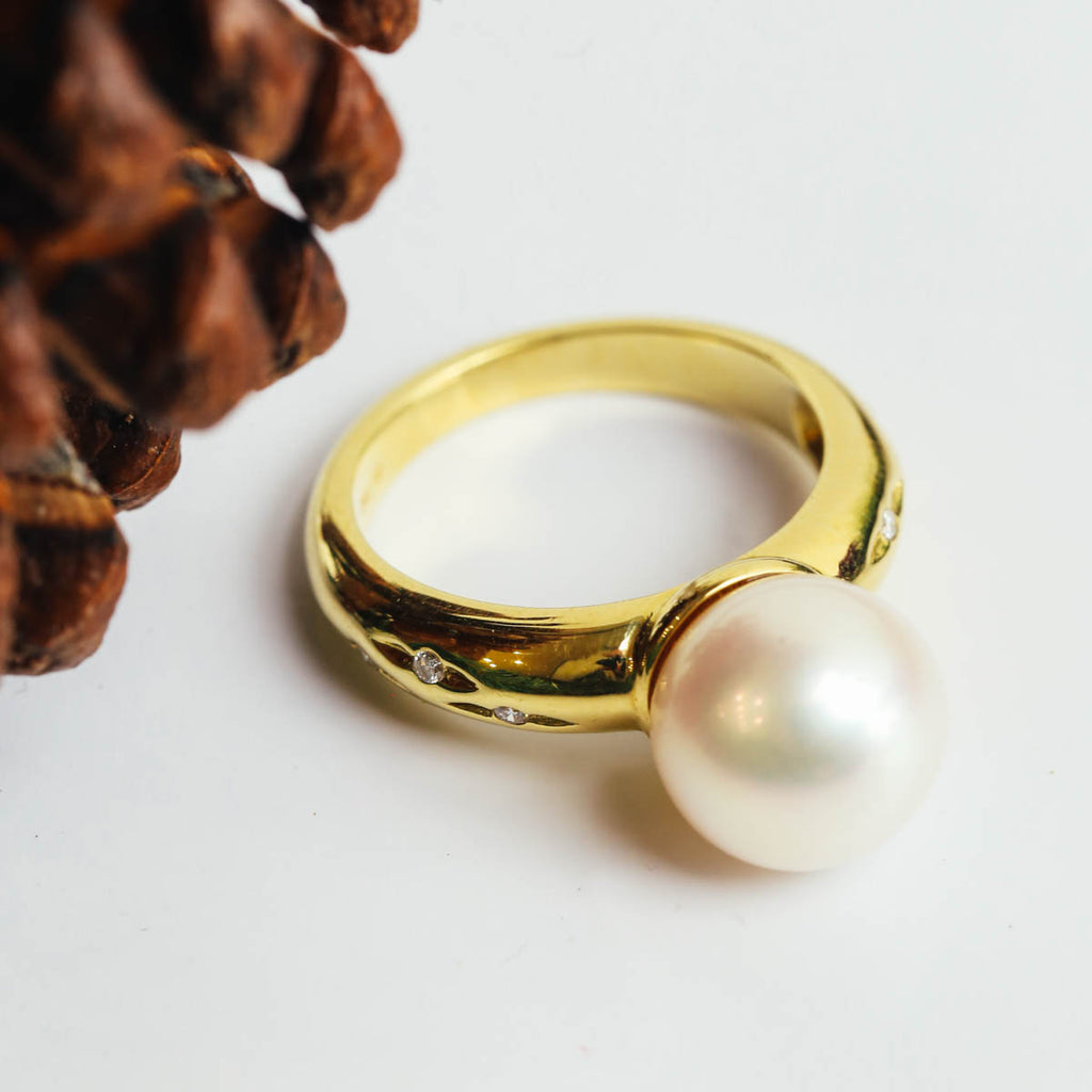 18K Yellow Gold White Pearl Ring