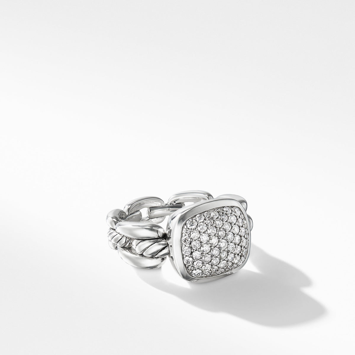 Wellesley Link Ring with Diamonds