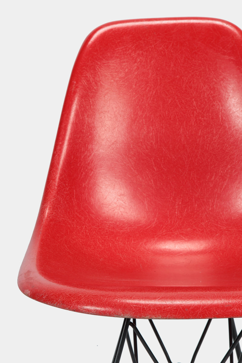 eames side chair stuhl eiffelturm rot vitra
