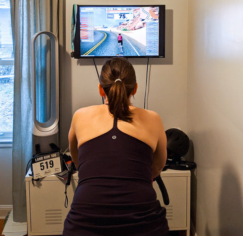 DeAnn, äventyr bicycle bags owner, using Zwift