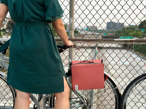 äventyr The Social bicycle pannier musette bag in Nautical Red