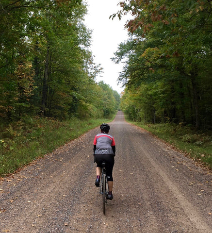 DeAnn, äventyr Owner, gravel biking in Chequamegon–Nicolet National Forest