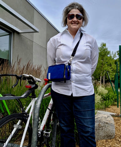 äventyr customer Genevieve with The Essential Handlebar Bicycle Bag in Cobalt
