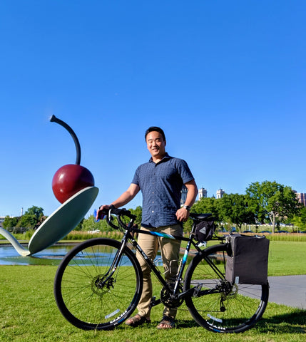 äventyr bicycle bags The Side Hustle laptop bicycle pannier review by Henry