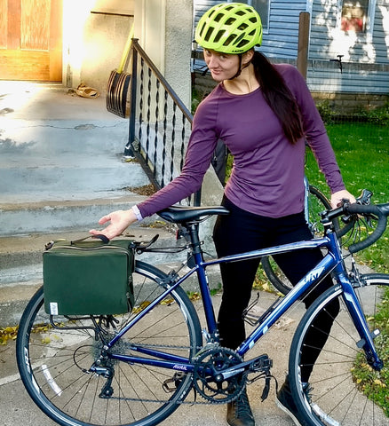 äventyr bicycle bags The Social musette pannier bicycle bag review by Sarah