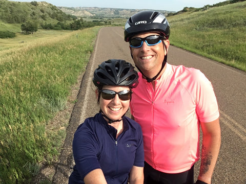 DeAnn & Kurt, äventyr Owners, biking in Theodore Roosevelt National Park 2018