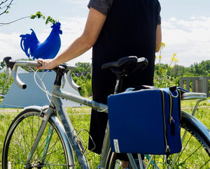 äventyr The Social Musette Pannier Bag in Cobalt