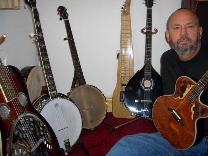 dave lee with his instruments 1