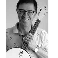Jamie Houston Promo Photo with DUKE10 Banjo Ukulele