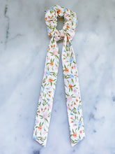 Load image into Gallery viewer, Spring Blooms Scrunchie Ties