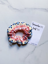 Load image into Gallery viewer, Blush Geometric Scrunchie
