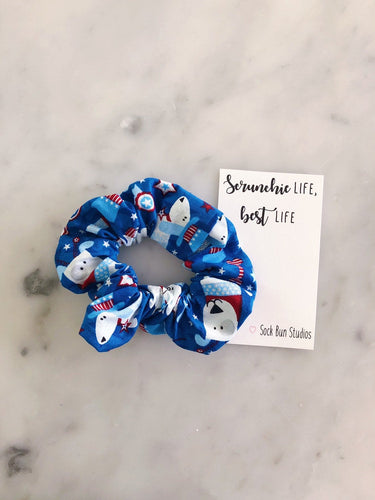 USA Dogs Scrunchie