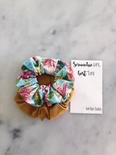 Load image into Gallery viewer, WEEKLY DUO Antique Lily Scrunchie Duo