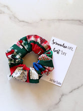 Load image into Gallery viewer, NEW Throwback Heart of Christmas Scrunchie